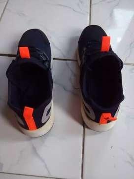 Sepatu Sport Rebook pria Size 41