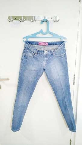 Celana Panjang Jeans - Jeans Trouser merk Chic Girl