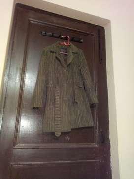 Ladies coat thigh length