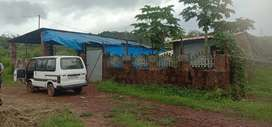 Plot with big shed and rooms for rent