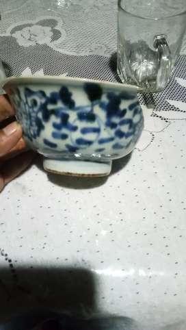 Mangkok keramik dinasti temuan