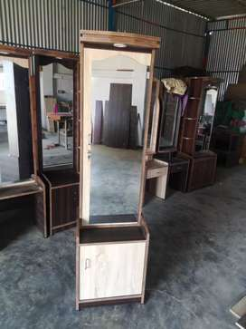 Sarlin Furniture cell 984o884633