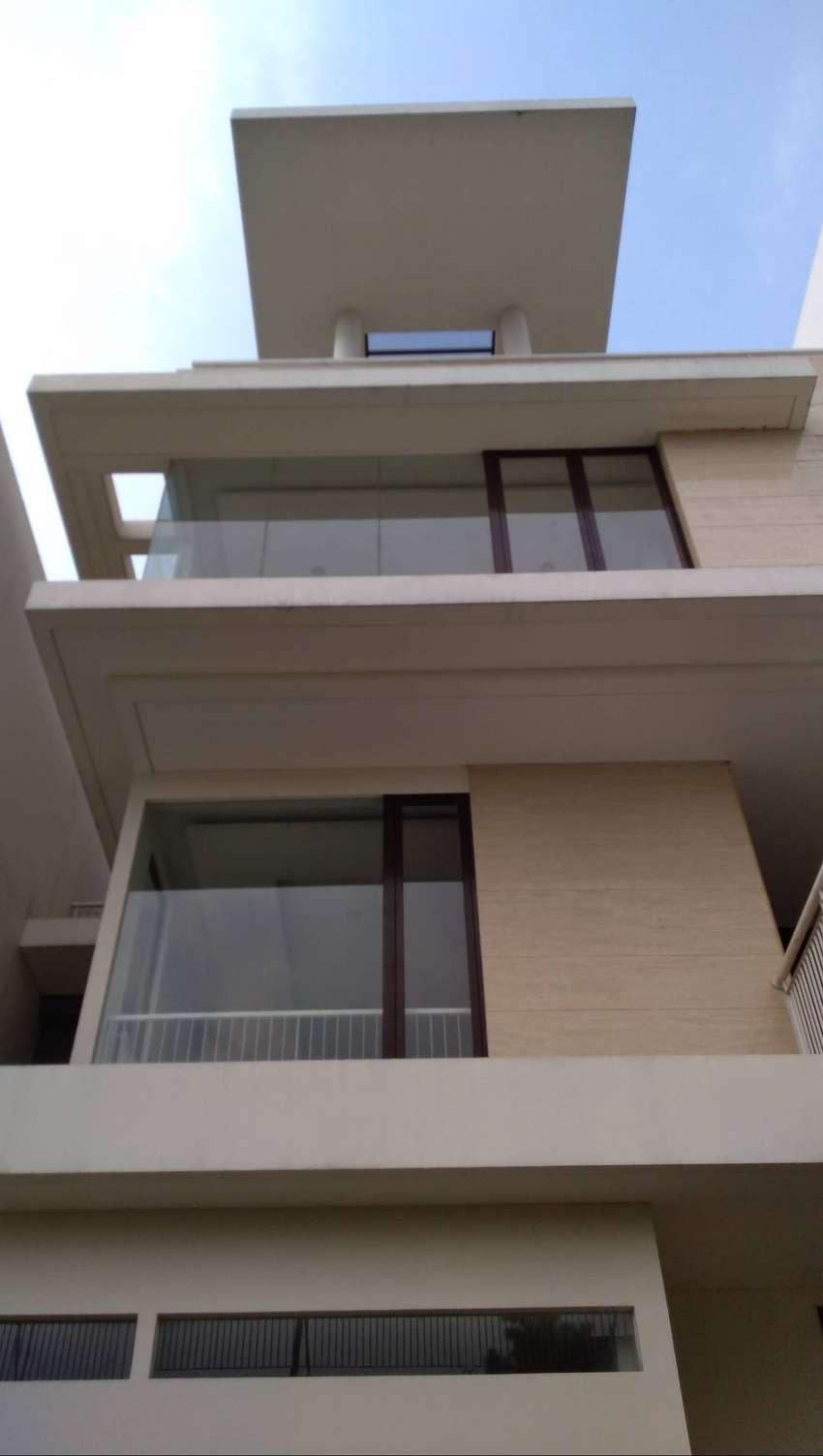 Penthouse Mewah 4 Lantai Dengan Lift, Cluster Exclusive Barat Jakarta