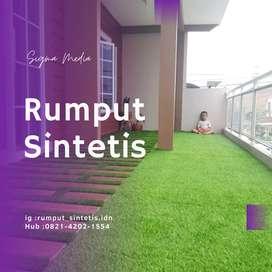 Rumput sintetis dekorasi halaman depan rumah