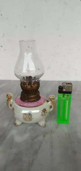 Lampu minyak jadul