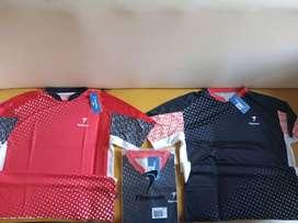 Baju badminton baru