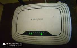 TP link 300mbps wireless 4 fast LAN ports wps button wi-fi router