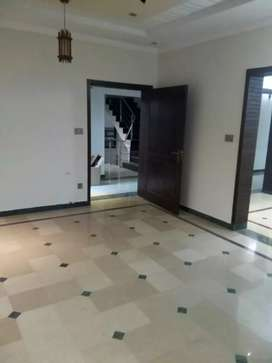 1 kanaal upper portion available for Rent in Bahria town phase iii