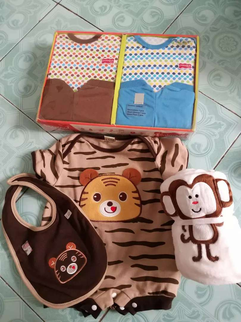 Paket hemat baju baby 0