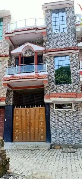 Varanasi pandeypur Azamgarh vale road pr h Ring road se 200M pahle