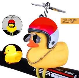 Bebek terbang helm pajangan