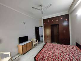 Girls Pg in Sector 62 & near by all residential sectors with meals
