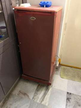 Voltas refrigerator single door 200ltrs