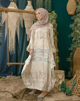 Ready senggigi dress wearing klamby