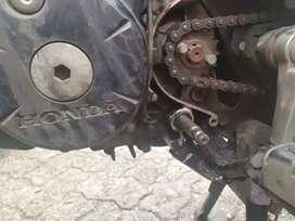 Cari mekanik motor yang berpengalaman