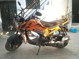 Honda navi gearless scooter bike good condition like new