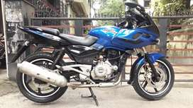 Pulsar 220 Bajaj ( Black & Blue )