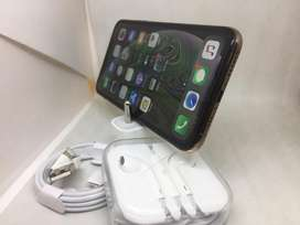 Apple i phone xs 64gb gold colour &warranty