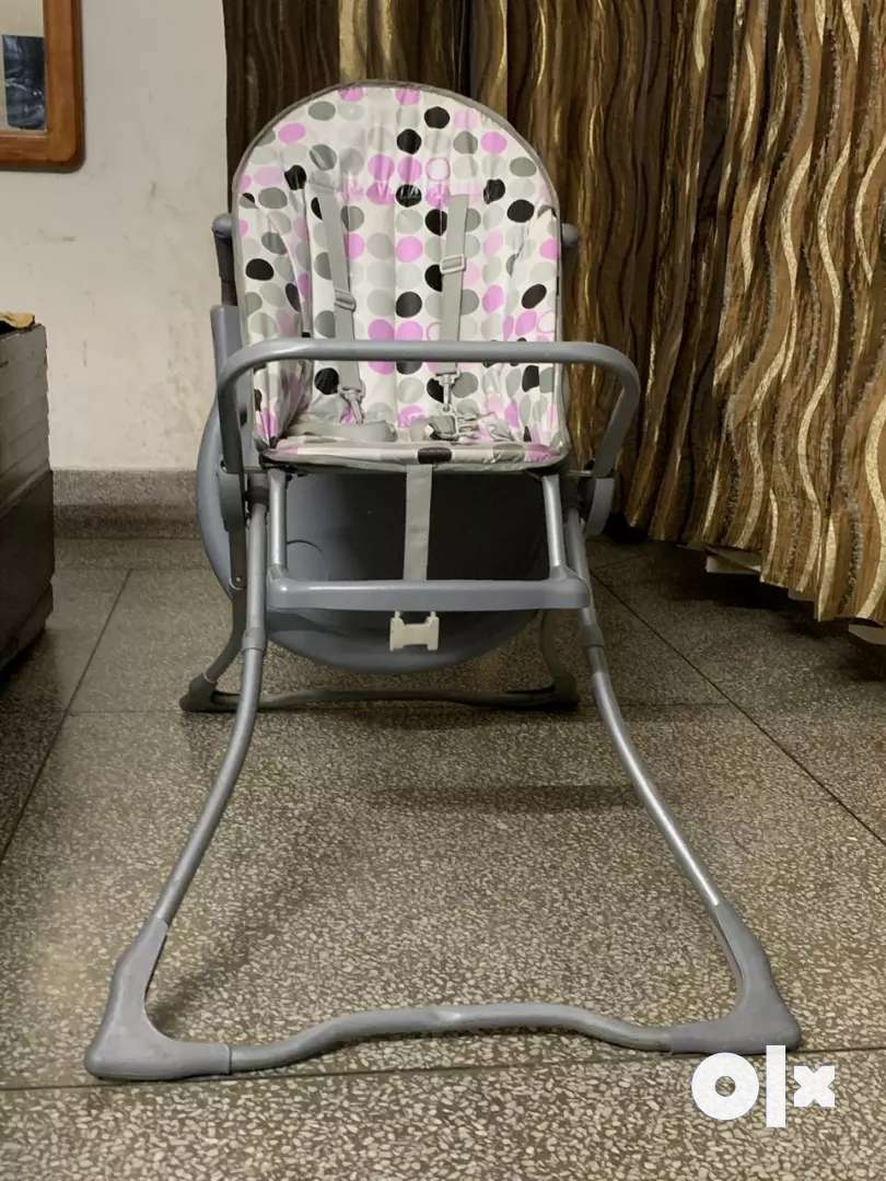 Safe baby sitting high chair 0