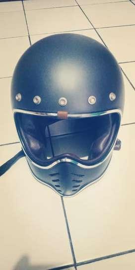 Helm moto3 merk boulter