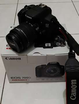 Di Jual Cepat!! Kamera Canon EOS 700D Bekas