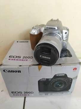 Canon 200D Fullshet box Lengkap