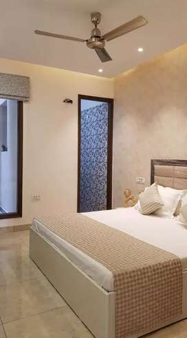 Studio Apartment Luxury Big 1 Room complete set Fully-furnished Sec 63