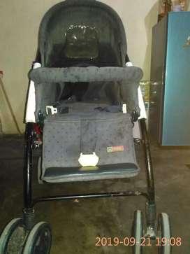 Jual stroller bekas ,bisa ayunan ,masih layak pakai