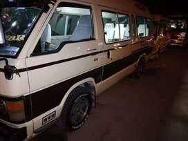 Toyota hiace in very good condition heavy sound system