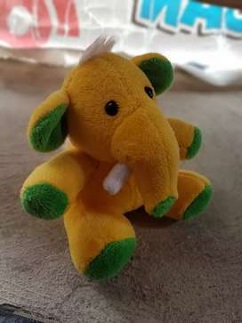 Boneka gajah kuning mini ex hadiah