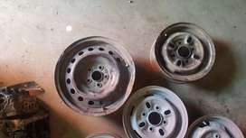 Coure , cultus , toyota Wheel Rims in different sizes lot.