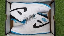 "Air Jordan 1 Mid "" White Laser Blue"""
