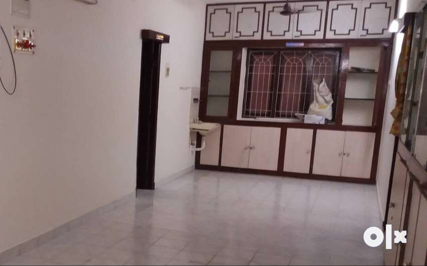 2 BHK - Fully Furnished - 2 min from Nungambakkam Railway Stn 0