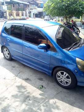 Dijual Honda Jazz v.tec manual th 2005 SS komplit plat B