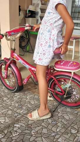 Dijual murah  sepeda My family (pink)