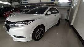 Honda hrv 1.8 prestige tahun 2015 sunroof matik putih