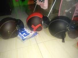 Helmet kulit sni