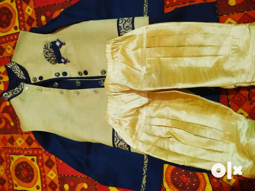 A beaytiful and stylish sherrwani 0