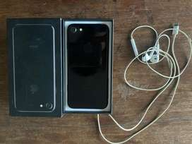 Iphone 7 128 GB Jet Black with Complete box and accessories