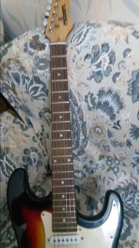 Electric Guitar 4 Sale (Need Cash)