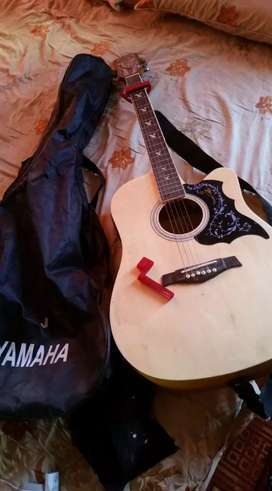 Selling Martin Smith 41 inch semi-acoustic guitar