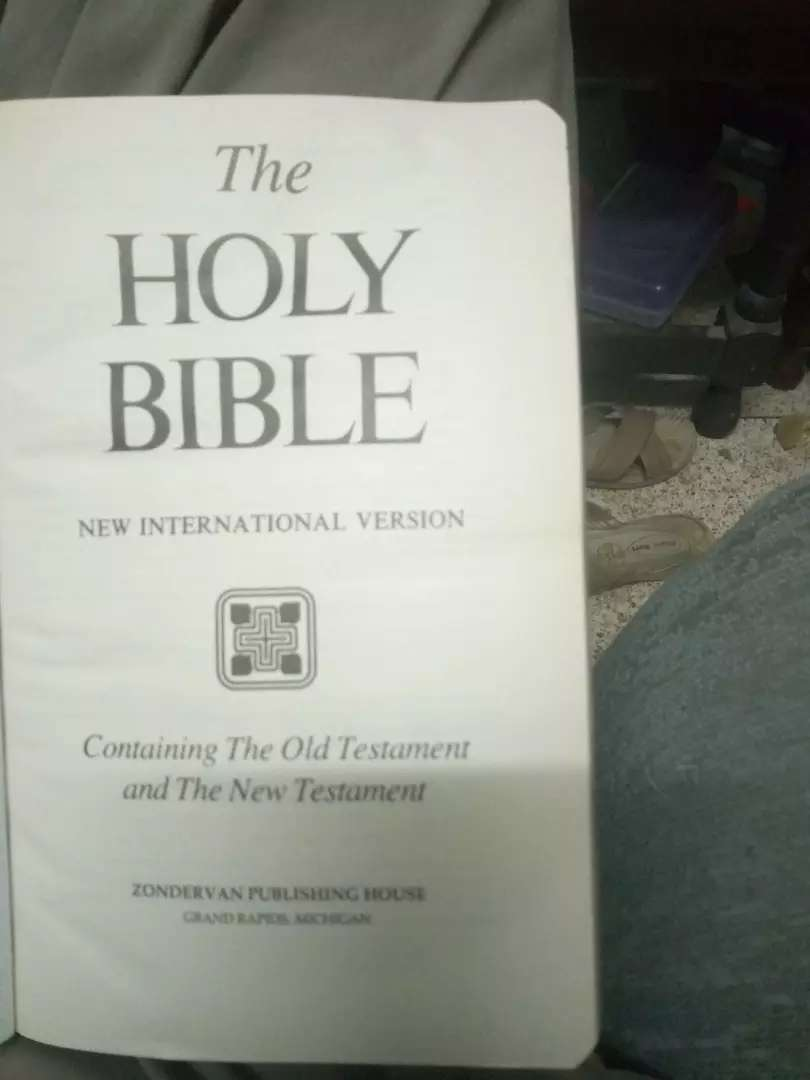 The holly bible (English) 0