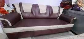 Sofa set include 3 sofa's