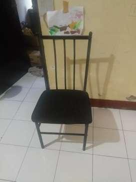 Dijual 1 set meja kaca dan 3 kursi