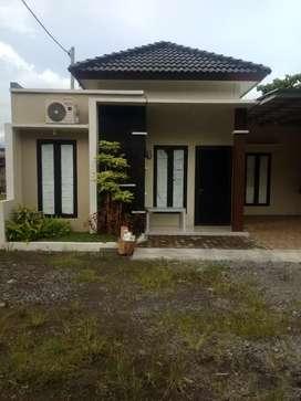 Rumah siap huni dalam perumahan dekat UMY