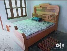दीवान डबल बेड