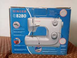 Portable ZigZag Sewing Machine. 8- Built-in Stitches.