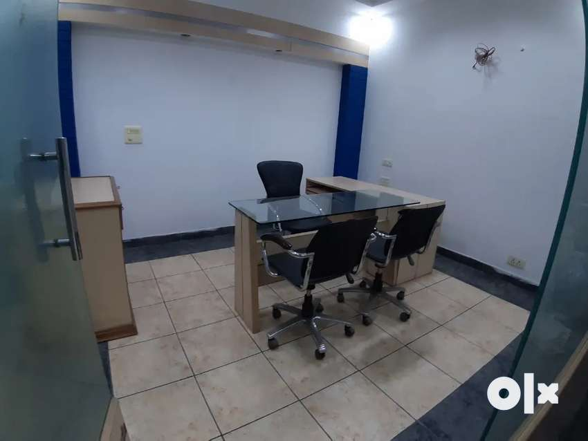 Immigration and ilets space available 0