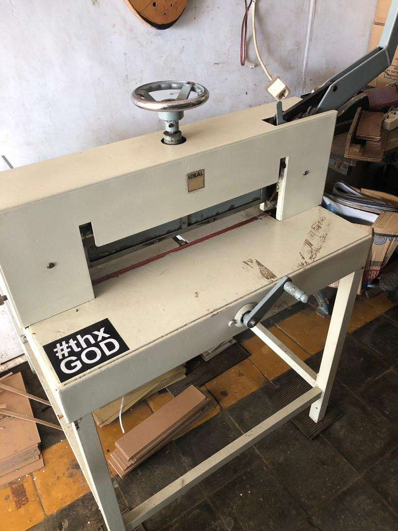 Mesin potong kertas ideal 47 cm 0