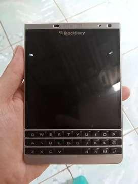 Blackberry Passport SE Ex. Garansi TAM Mulus